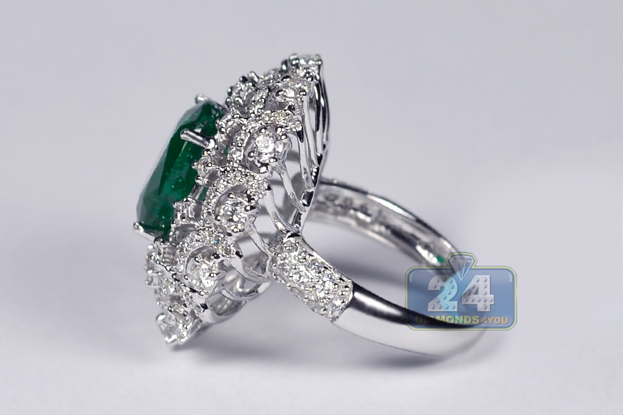 womens emerald dome ring 18k white gold 6 62 ct