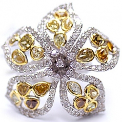 14K Gold 5.16 ct Fancy Yellow Brown White Diamond Flower Ring