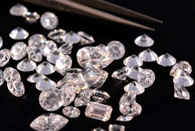 Lab-Grown vs Natural Diamonds - Key Differences, Pros and Cons